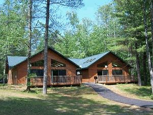 Northern wisconsin cabin rental timber cove g for Northwoods wisconsin cabin rentals